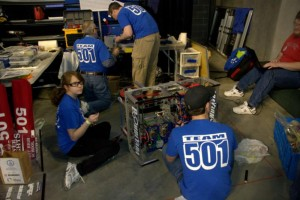 USFIRST STL Regional 2010 - Working on bot 1